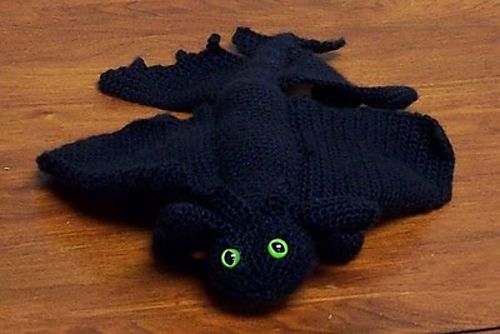 Ravelry: How to Train Your Dragon's Toothless pattern by ...