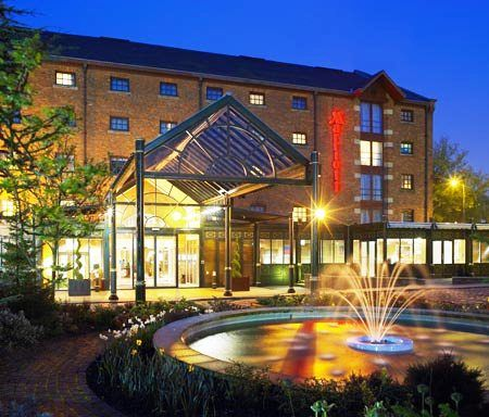 Five Famous Hotels Located Near Manchester Airport Visit And Know More About City