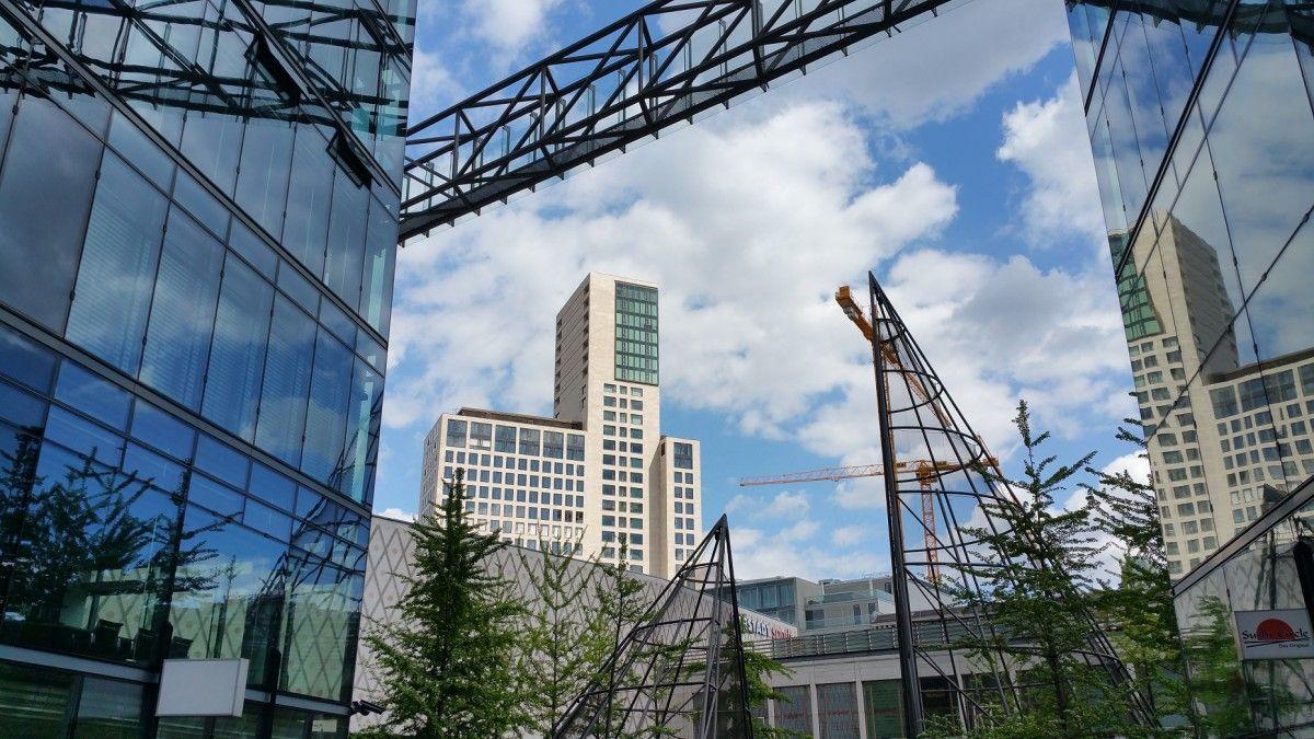 Linear Software im Neuen Kranzler Eck Neue wege, Gebäude