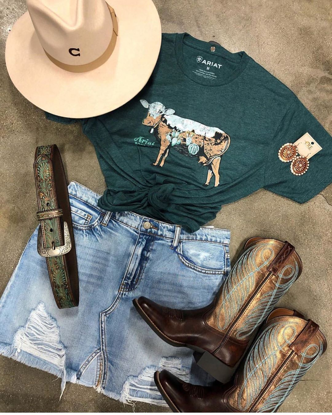 "El Potrerito Western Wear's Instagram profile post: ""Get this look @elpotrerito Shirt and skirt @ale_accessories"""