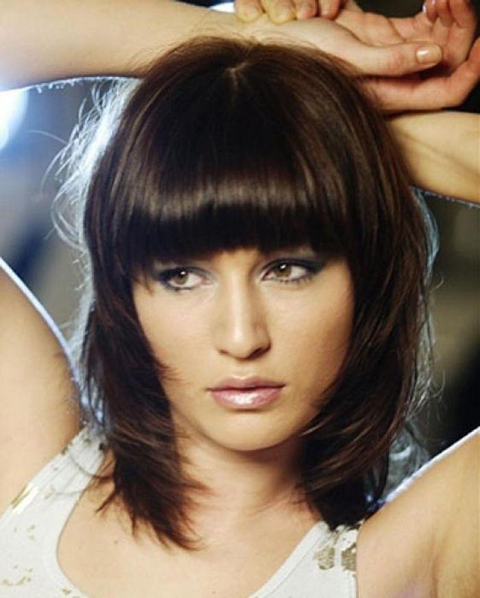Medium Length Hairstyles For Round Faces: Medium Length