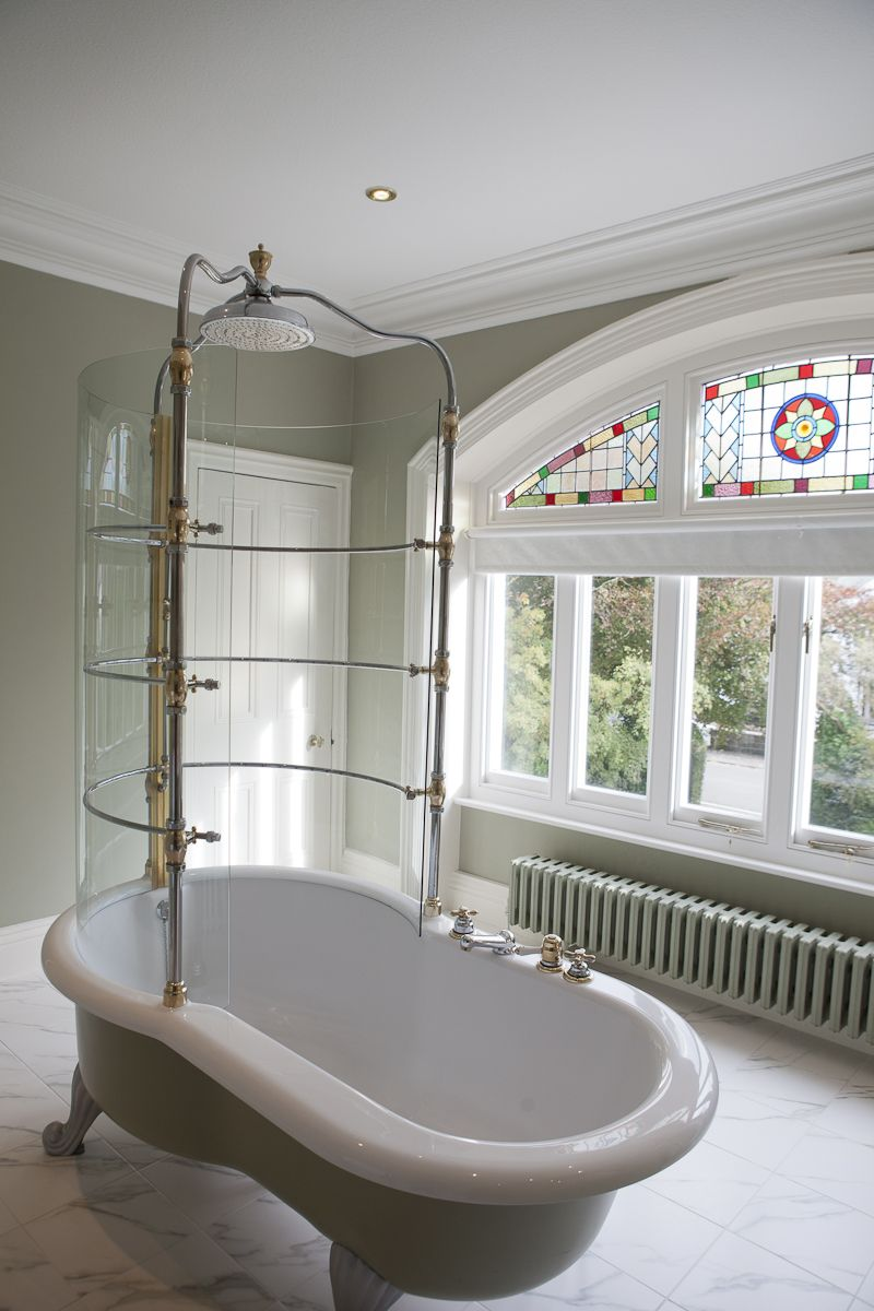 Modern Country Style Colour Study Farrow And Ball French Gray Moderner Landhausstil Moderne Duschvorhange Badezimmer