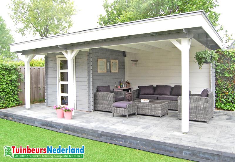 Blokhut met overkapping plat dak modern oldehove camping