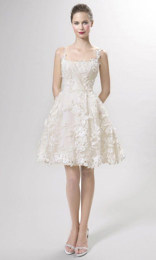 Vestido de renda para festa de casamento curto