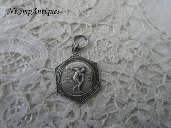 Old medal/pendant by Nkempantiques on Etsy