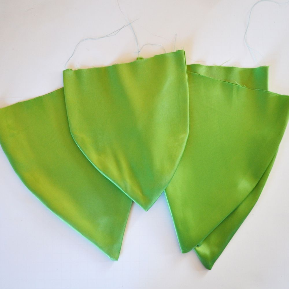 Sew a Tinkerbell Skirt & Top by The DIY Mommy   Crafting // Sewing ...