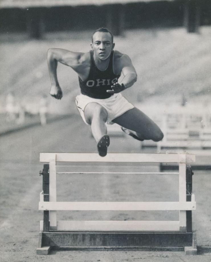 Jesse Owens (1936) Jesse owens, Olympic athletes, Track
