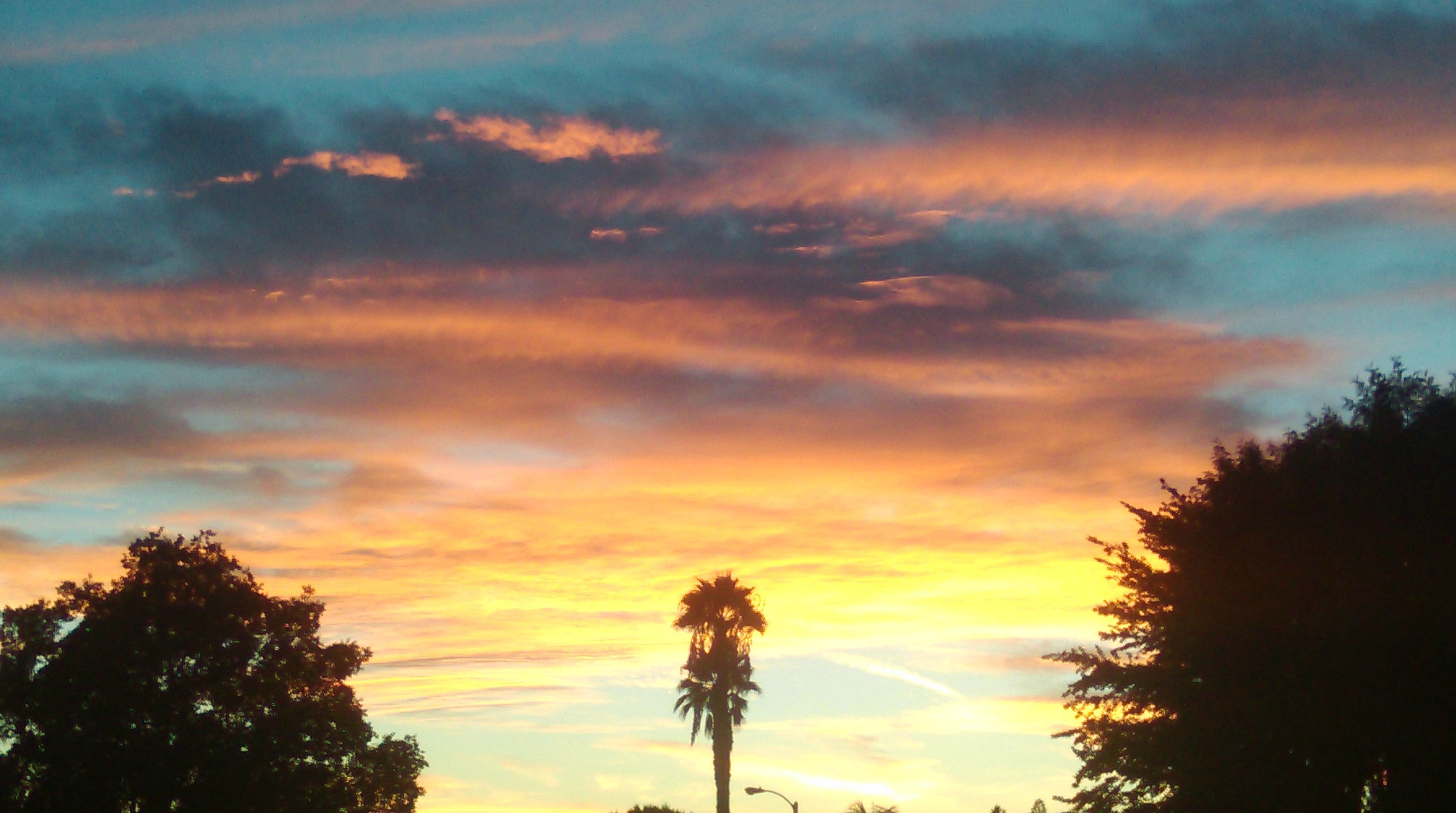 Sunset in the Central Valley of California [3264X1824]
