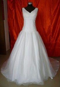 485b4b644289 svatební šaty na ramínka tylové S - plesové šaty