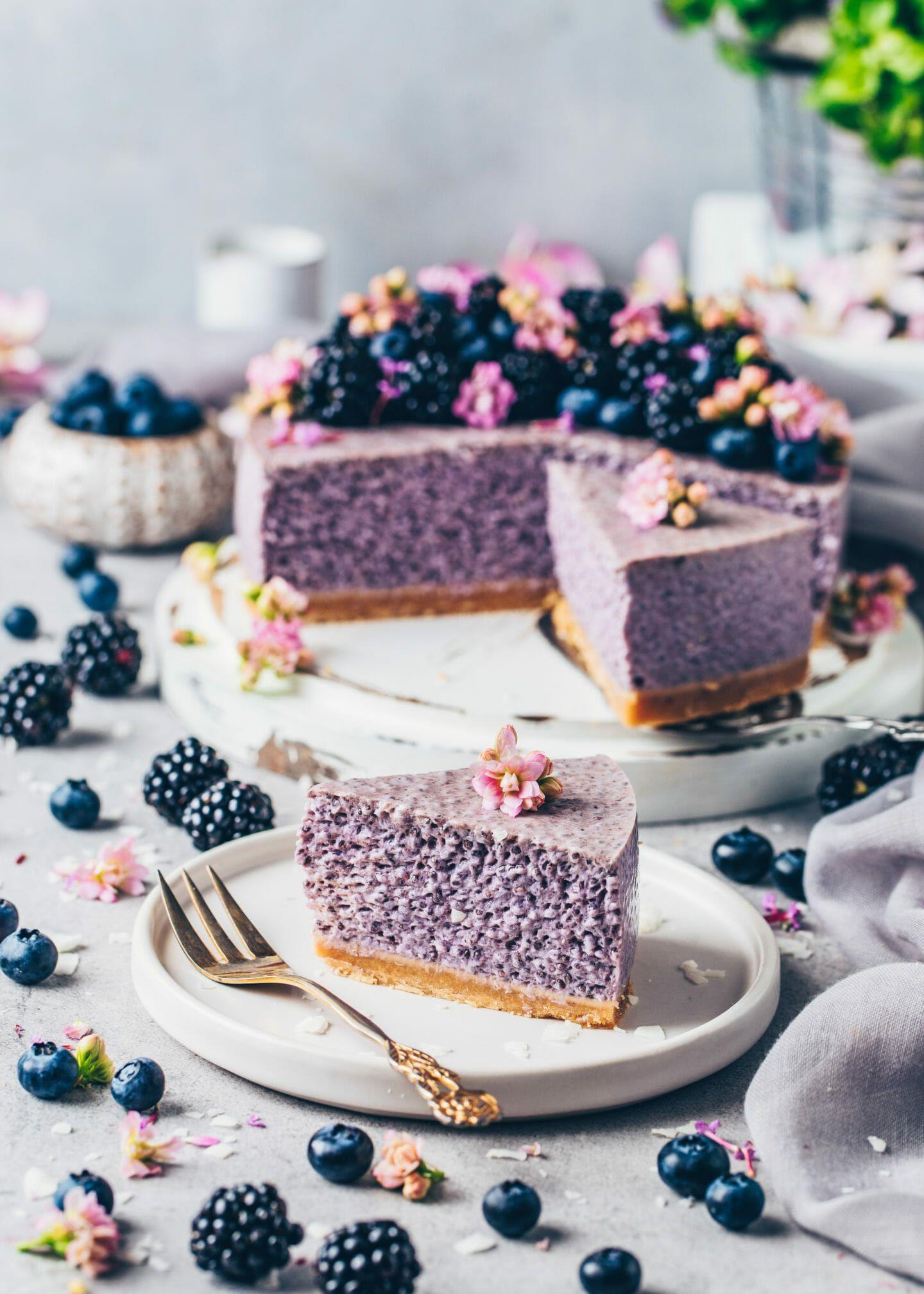 Blaubeer-Chia-Pudding Torte ohne Backen - Bianca Zapatka | Rezepte