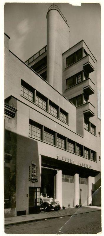 Caserne des pompiers rue mesnil paris robert mallet stevens architecte france 1935 papillon photographe centre de documentation des musées