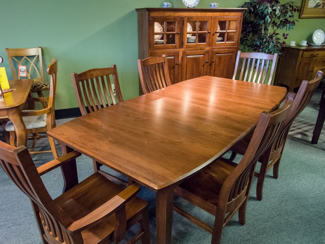 Charmant Maple Wood Kitchen Table Set   The Kitchen Table Is A Good Spot To Eat,  Play Games, Pay Bills, Much More And Sort Laundry.