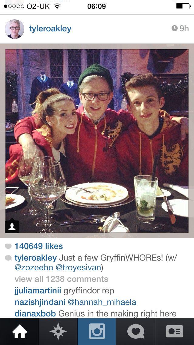 Tyler Oakley Meets Gryffindor Tyler Oakley British Youtubers Warner Bros Studio Tour
