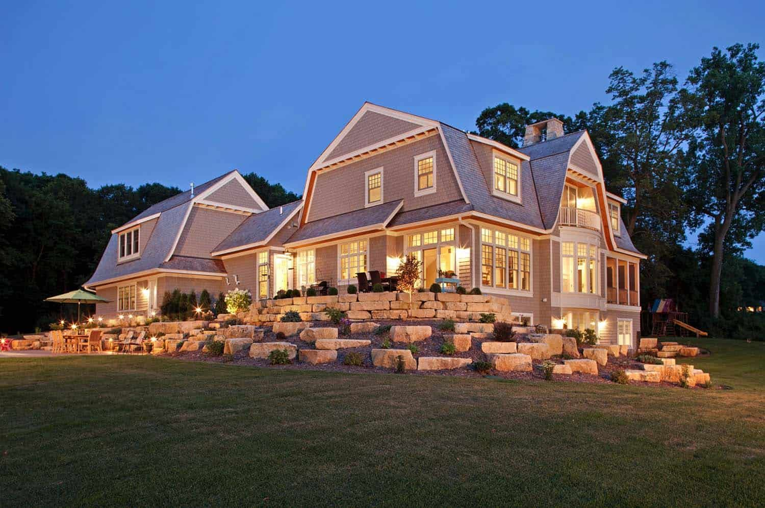 Tour A Dreamy Nantucket Style Home With A Farmhouse Twist In Minnesota In 2020 Nantucket Style Homes Nantucket Style House Exterior