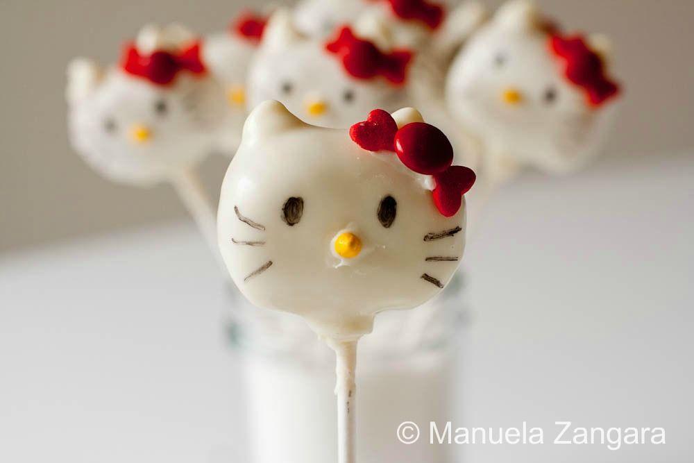 Hello Kitty Cake Pops!