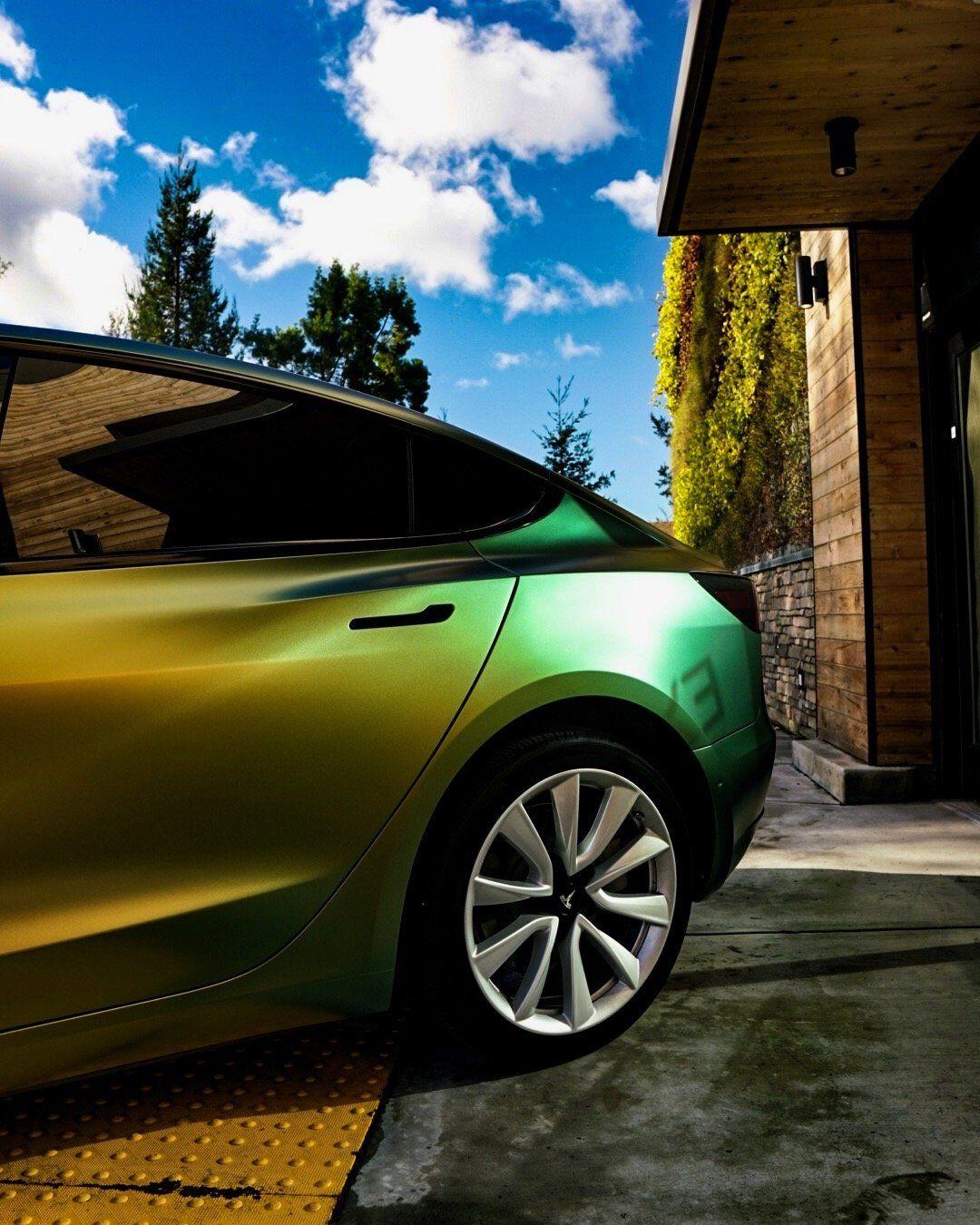 Tesla Model 3 Owner Goes Green On St Patrick S Day