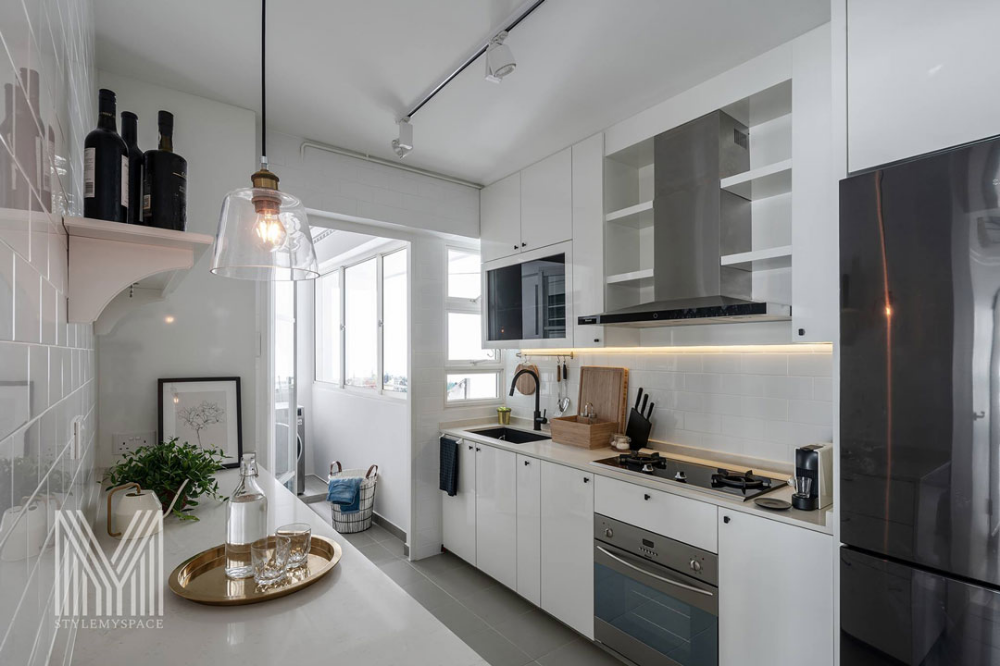 13 gorgeous galley kitchen ideas for your small hdb flat galley kitchens kitchen counter on kitchen ideas singapore id=91997