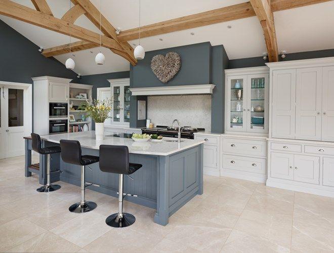 Spacious open plan kitchen tom howley kitchen for Open plan kitchen with island