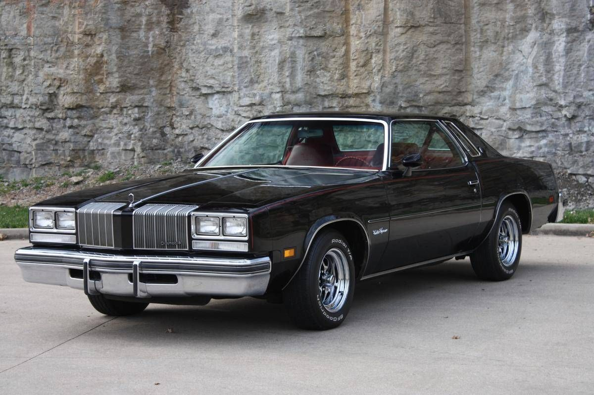 Not a 1976 like the one i had but this 1977 oldsmobile cutlass supreme is