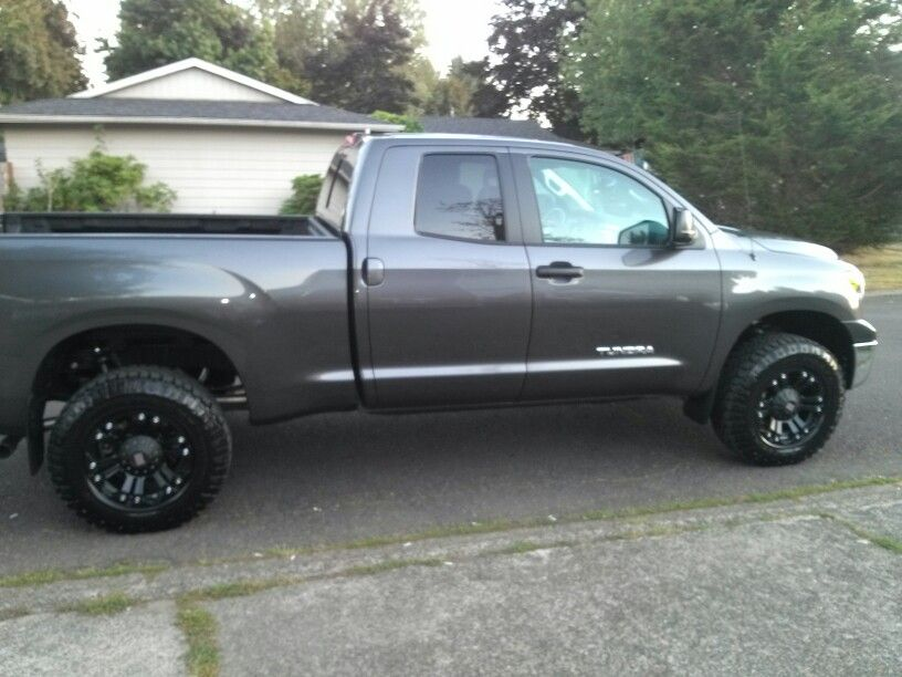 2013 toyota tundra with 3 inch lift kit 2013 toyota