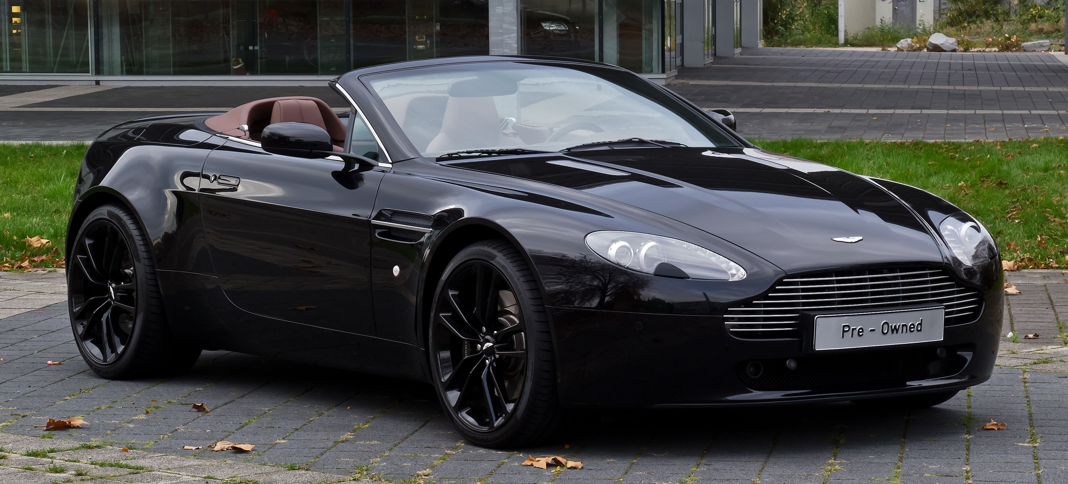 book aston martin v8 vantage roadster #luxurycar on rent at lowest