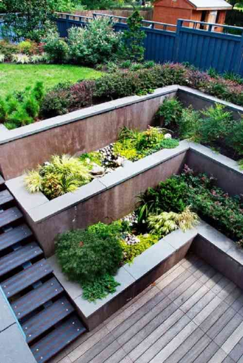 jardin en pente 33 id es d 39 am nagement v g tal planters pinterest jardins id es jardin. Black Bedroom Furniture Sets. Home Design Ideas