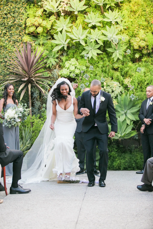 8 African American Wedding Traditions African American Weddings Wedding Ceremony Traditions Young Wedding