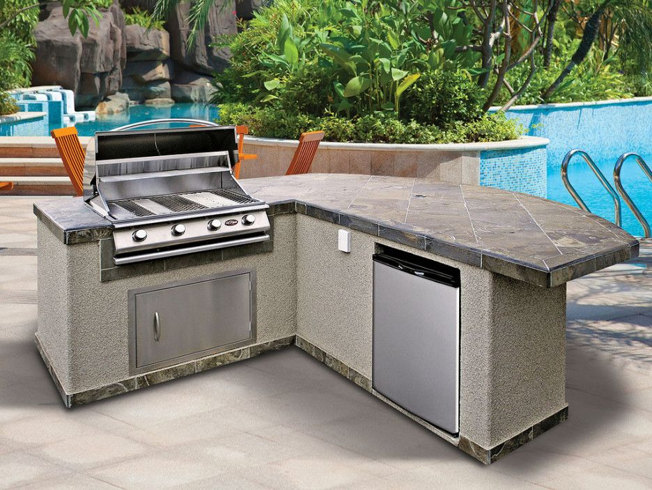 Hunting The Right Choice Of Outdoor Kitchen Grill Island Inspiring Prefab Design With L Shaped Using Dark Gray Tile Top Combine