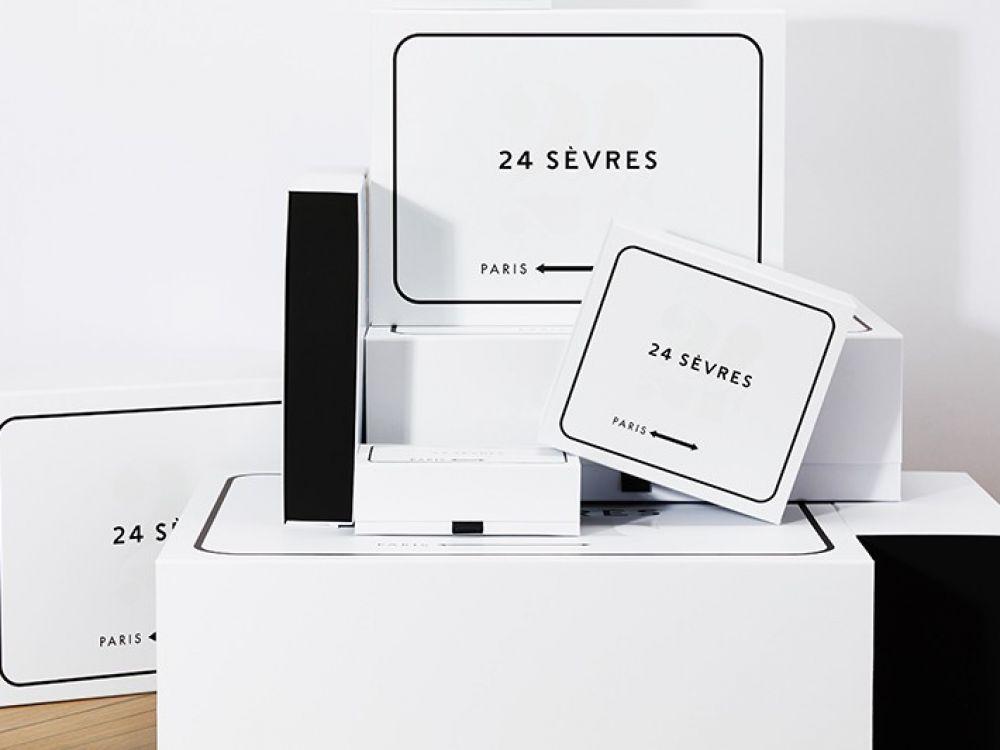Pourquoi LVMH crée un site mondial de luxe    Le numéro un mondial du luxe lance 24 Sèvres, un site marchand qui accueillera 150 marques de prestige dont les concurrentes Gucci ou Burberry. Hermès et Chanel préparent de leur côté leur riposte.    LVMH veut vendre le chic parisien en ligne