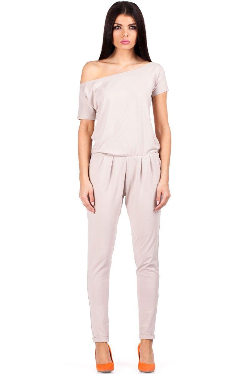 11ceaaf32af5 Combinaison pantalon, manches courtes et encolure bateau.   Outfit ...