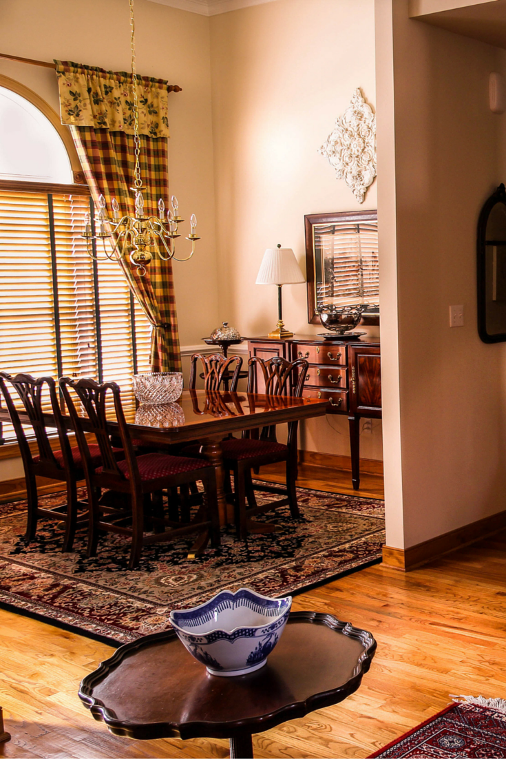 Accent Rugs Underneath Dining Room Furniture Add Ornate