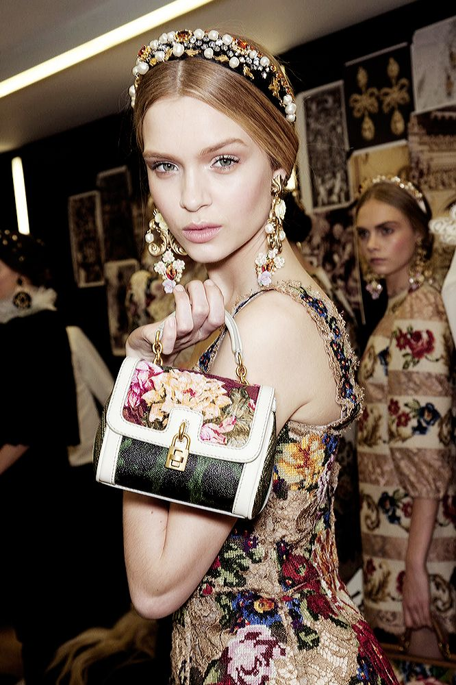 Details perles en fleur, Dolce & Gabbana FW12-13.