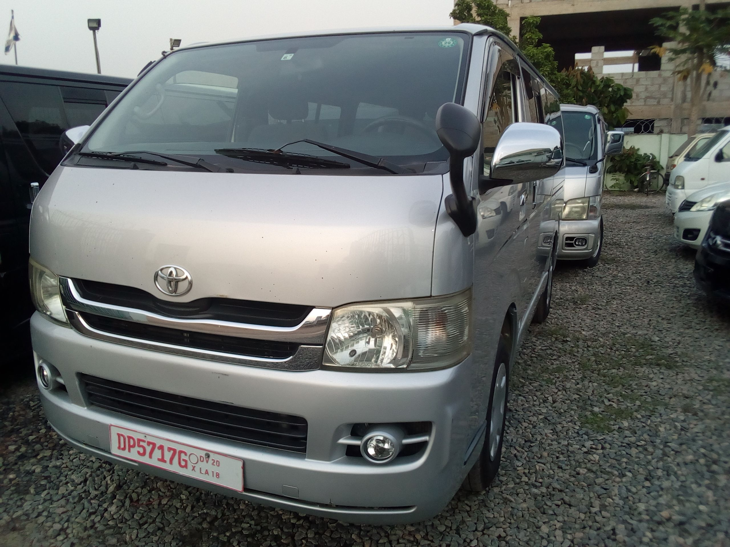 2008 model toyota hiace diesel gh85000 negotiable up for