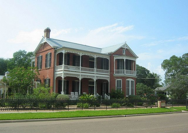 Allert House Cuero Texas Historic Homes Architecture House Built