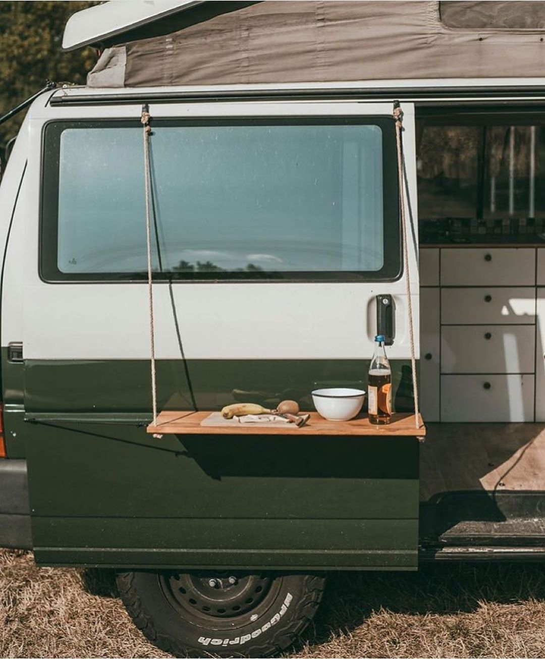 """Photo of Vanlife Inc. on Instagram: """"⠀ ⠀ ⠀ ⠀⠀ ⠀ ⠀⠀ ⠀ ⠀ ⠀ ⠀ [𝕍𝕒𝕟𝕝𝕚𝕗𝕖 𝕀𝕕𝕖𝕒𝕤 #3] ⠀ Minimalist outdoor table ☕️ ⠀ ⫸ 𝗙𝗼𝗹𝗹𝗼𝘄 𝘁𝗵𝗲 𝗺𝗼𝘃𝗲 @FromHouselifeToVanlife 𝗳𝗼𝗿 𝗺𝗼𝗿𝗲! ⠀ 📸 :…"""""""
