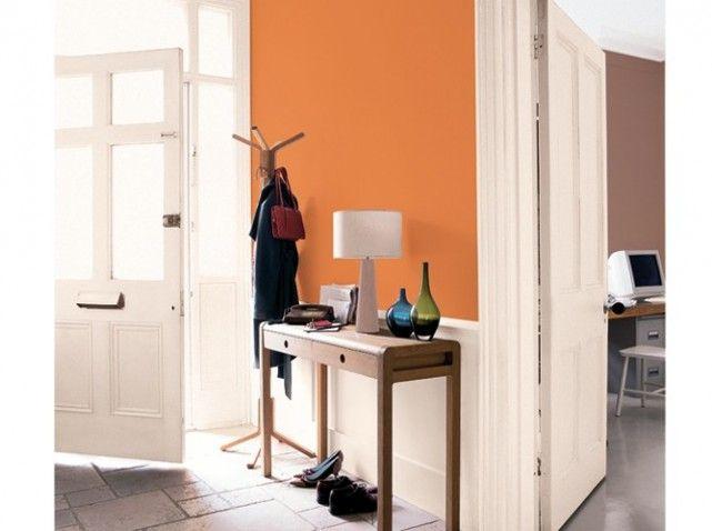 Peinture Comment Associer Les Couleurs Avec Harmonie Petit Meuble D Entree Boiserie Blanche Et Decoration Hall