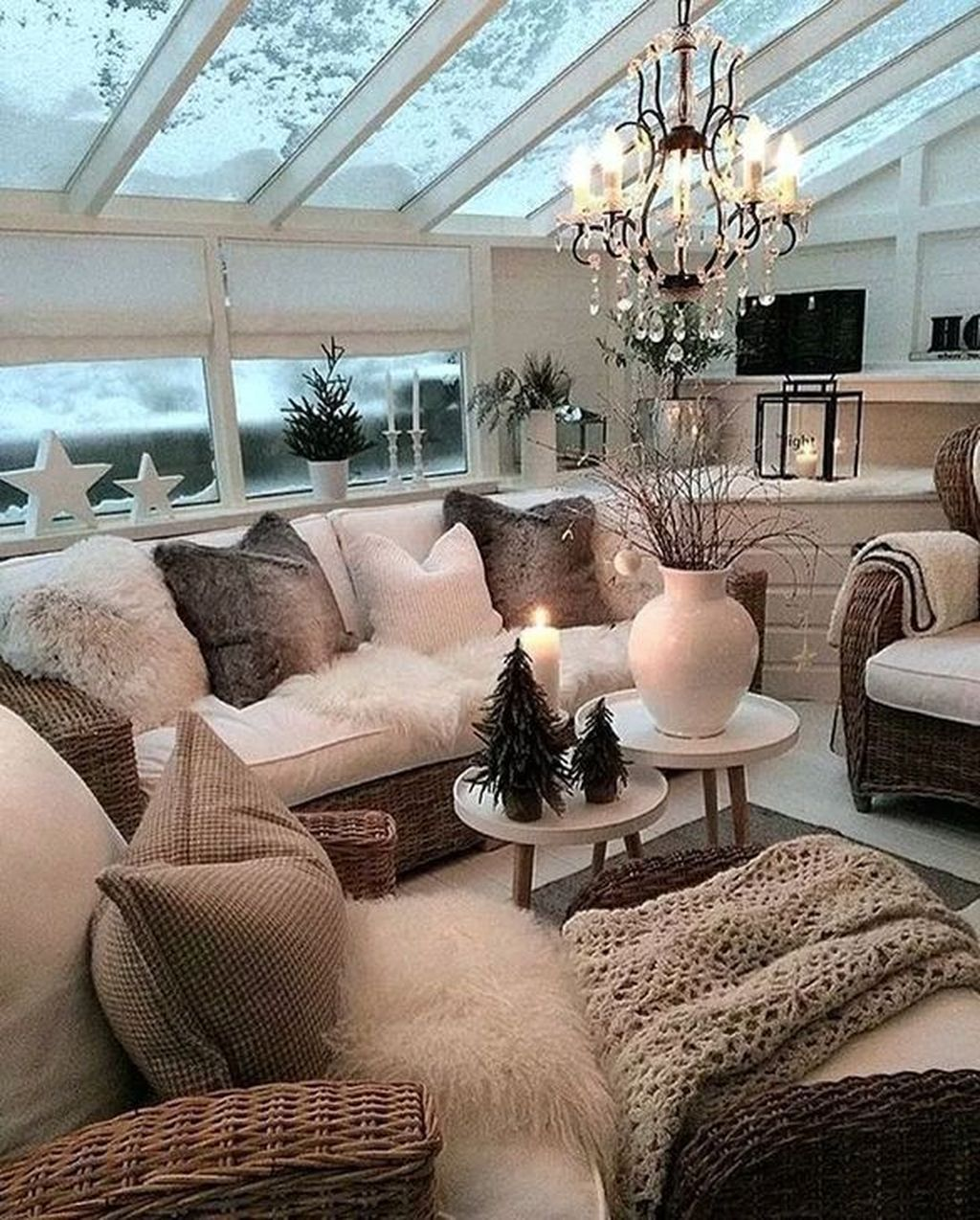 31 Amazing Modern Winter Theme Decor For Living Rooms ...