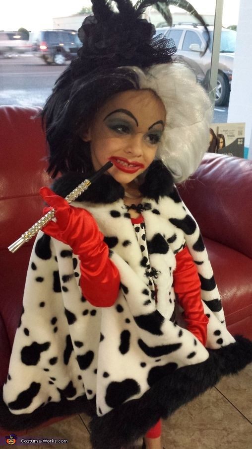 cruella devil halloween costume contest at costume halloween costume contest. Black Bedroom Furniture Sets. Home Design Ideas