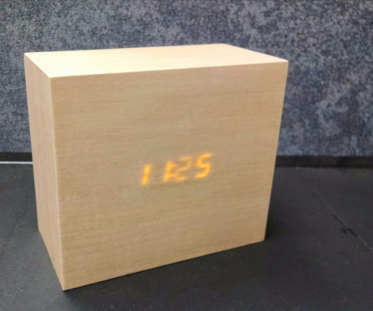 In this project I took an old DIY electronic clock kit a4f3e72e3a