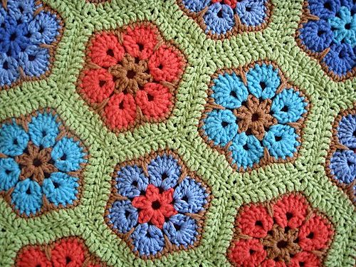 African Flower Hexagon pattern by Lounette Fourie & Anita Rossouw ...
