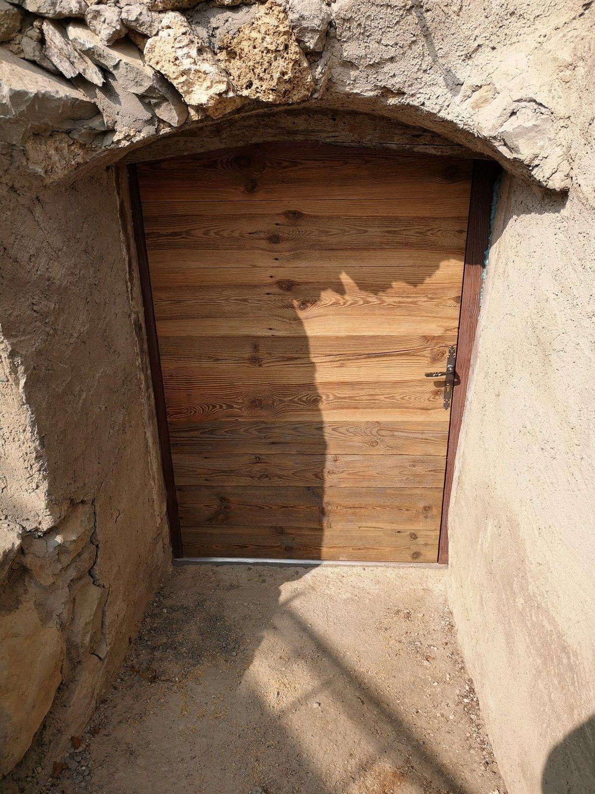 Vieille Porte En Bois Ancienne fabrication et pose porte de service à parement vieux bois