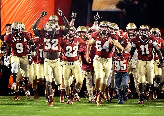 Noles coming out of the tunnel...Woooooooo!!! Florida