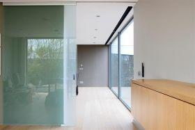 Glazen schuifdeur tussen bureau en woonkamer. | Schuifdeuren | Pinterest