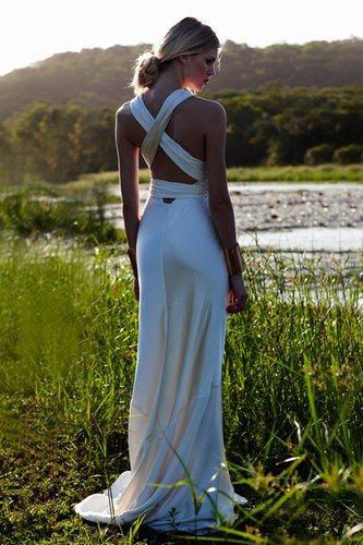 55 vestidos de noiva com decote nas costas - Decote com alças grossas cruzadas