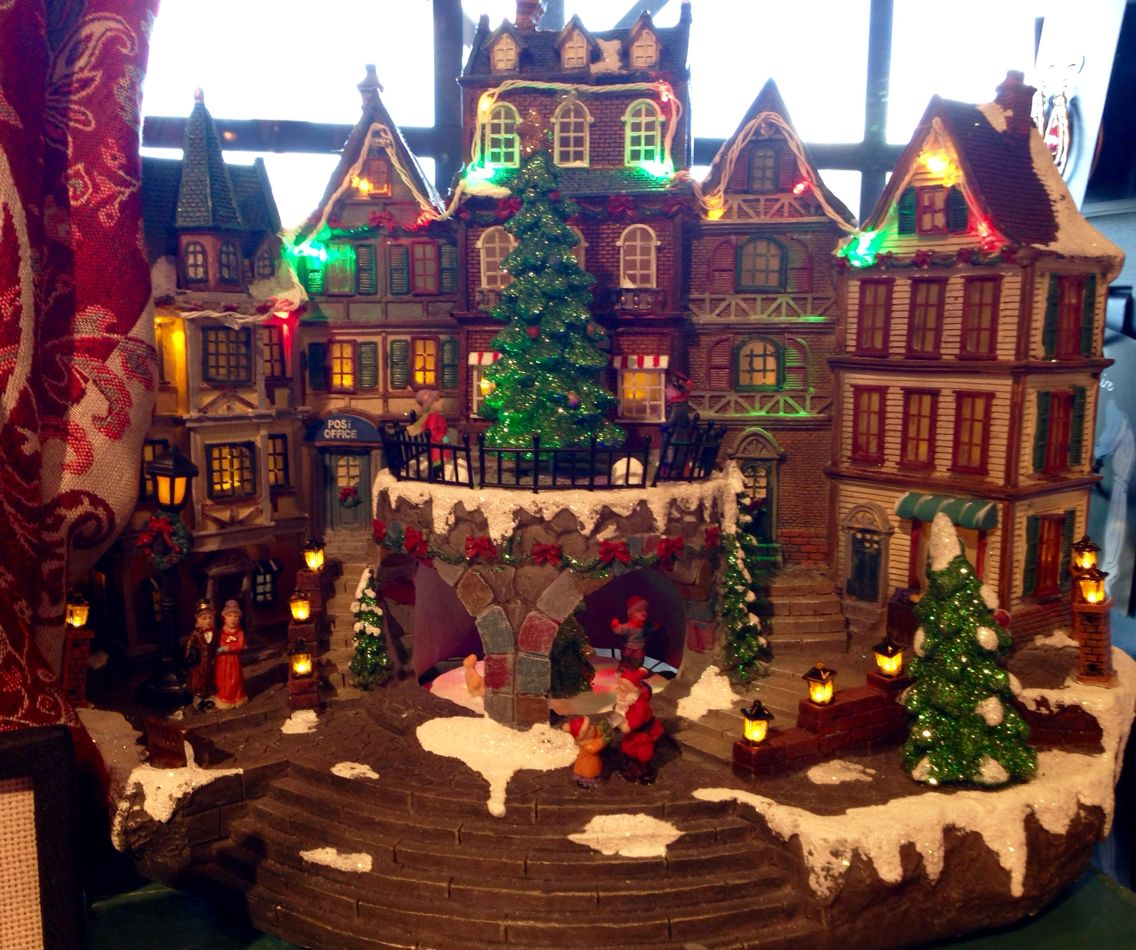 'Christmas Village'/Cracker Barrel Gift Shop