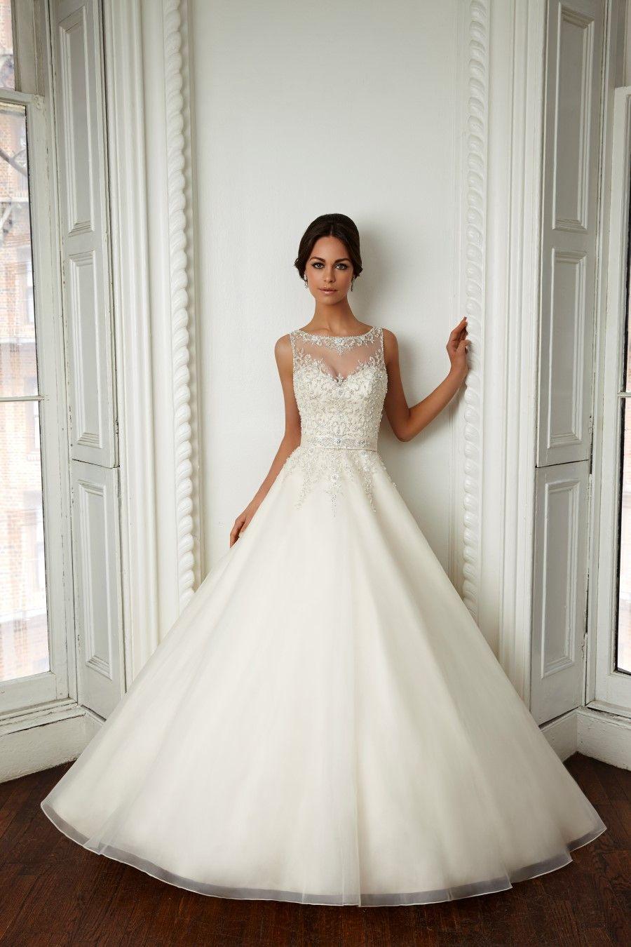 Die aktuelle Brautmode Kollektion | Pinterest | Brautmode, Die ...