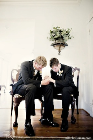 This is definitely a picture I want to be taken at the wedding: The groom and the best man praying right before he walks to the alter. Very memorable, meaningful, and moving.