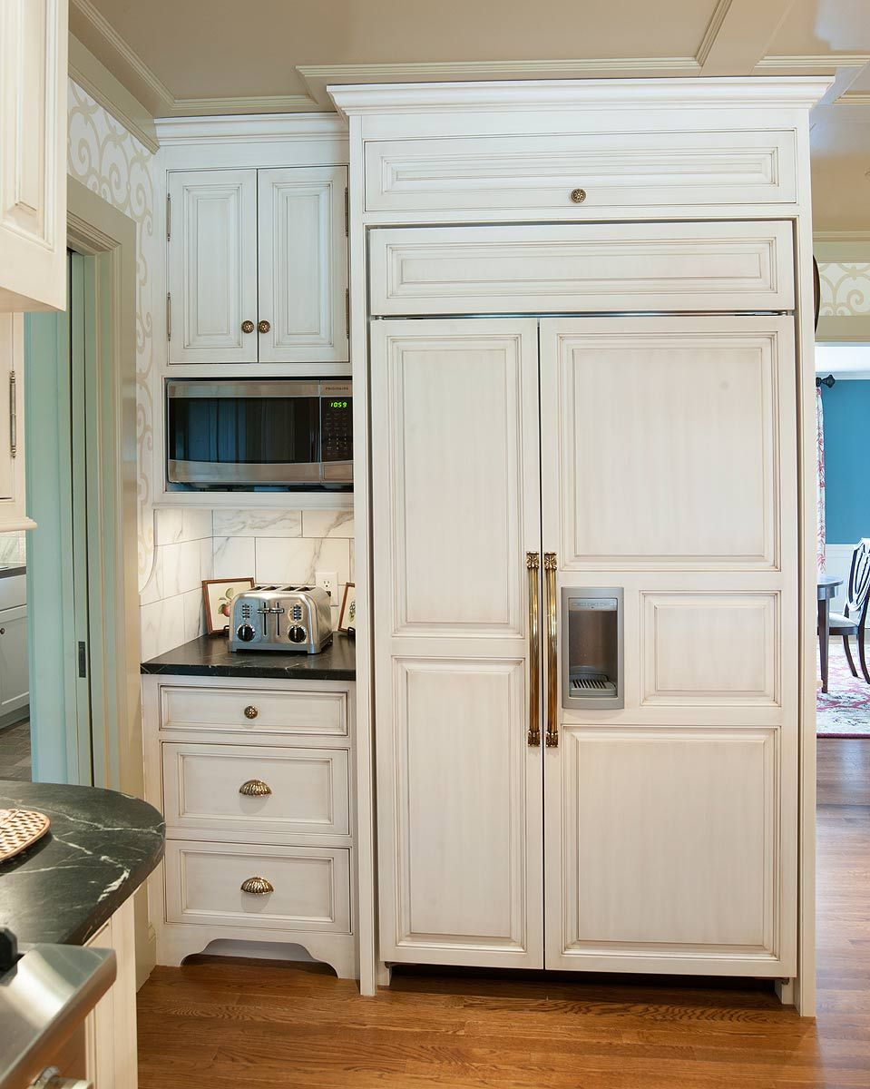 Custom Cabinets Custom Cabinetry By Mullet Cabinet Custom Refrigerator Refrigerator Panels Luxury Kitchens