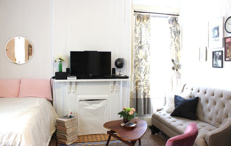 House Tour: A Tiny, Simple Louisville Studio Apartment | Apartment Therapy
