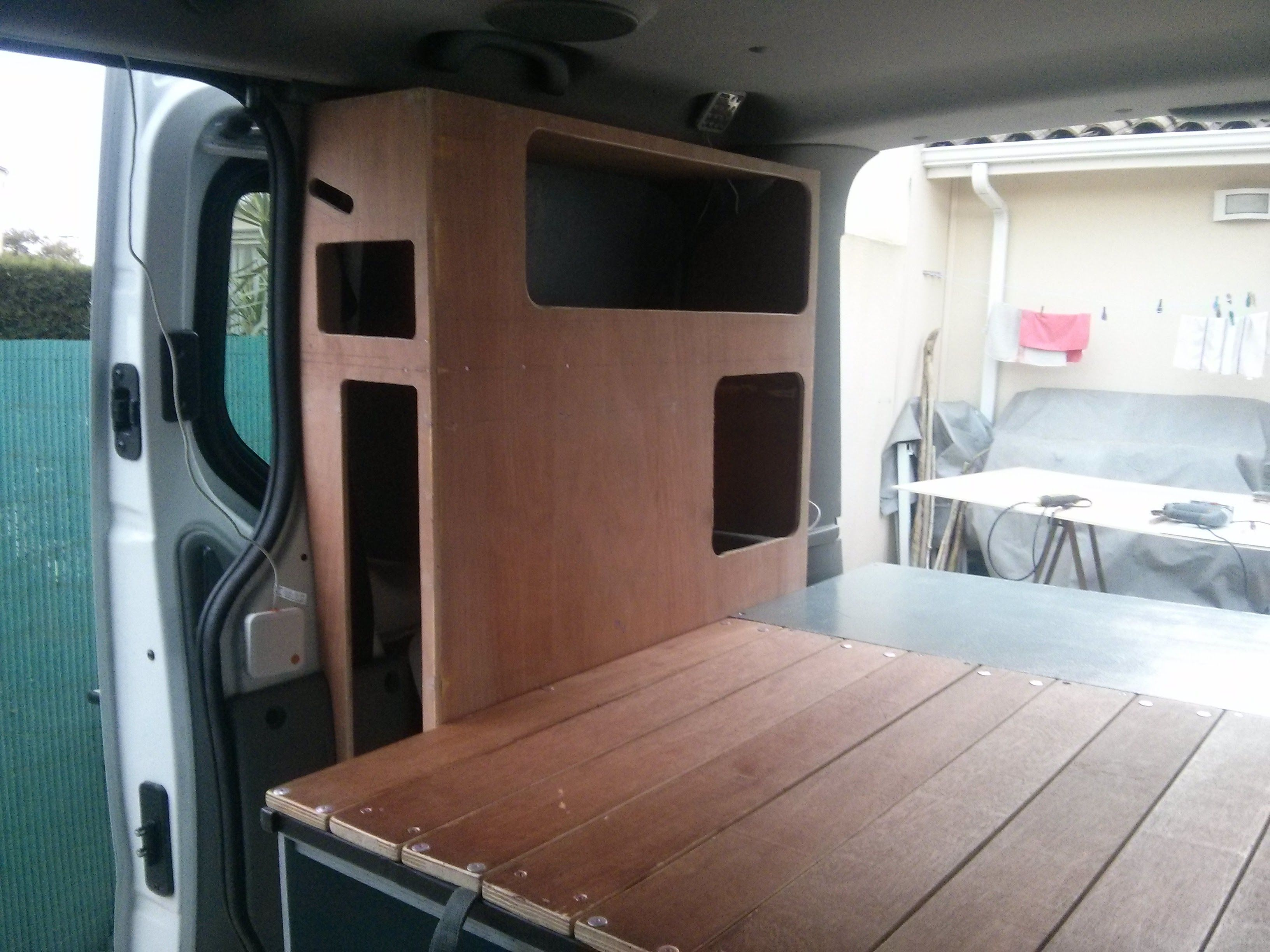 etagere de rangement am nagement renault trafic hinano mobile trafic am nag trafic. Black Bedroom Furniture Sets. Home Design Ideas